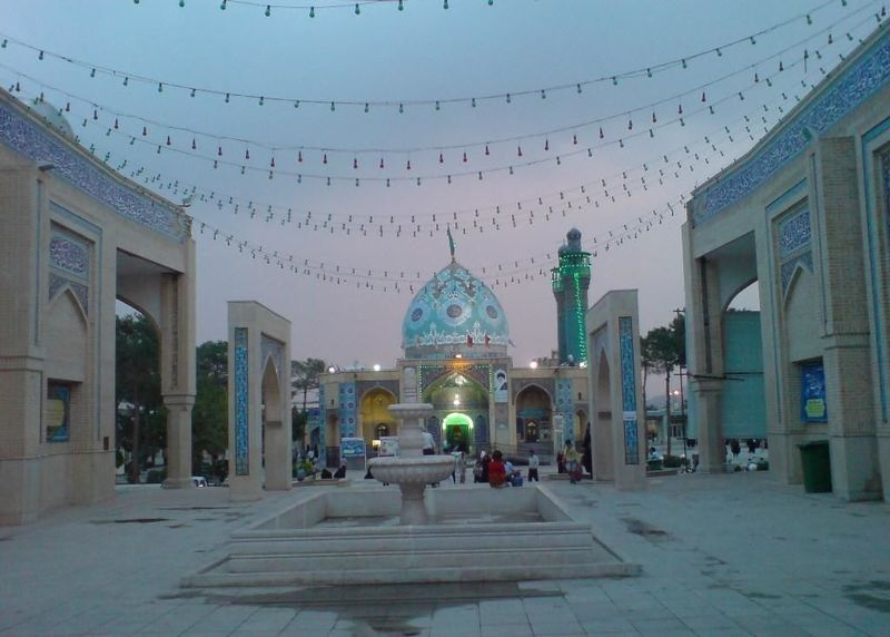 حضور300 هزار زائر میهمان حرم حضرت زینب بنت موسی بن جعفر (ع) اصفهان در ماه مبارک رمضان