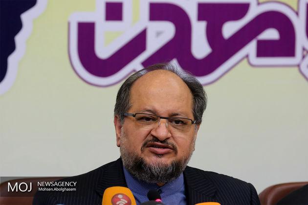 آقای وزیر وزارتخانه را برای قدرت بزرگتر کرد/ وزیر صنعت در هیچ زمینه ای موفق نبوده است