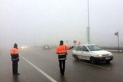 مه سنگین، بارندگی و ترافیک پرحجم در جاده های استان خراسان رضوی جریان دارد