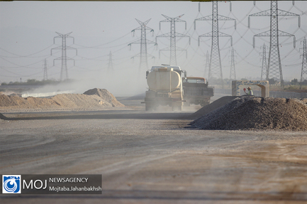بازدید معاون رییس جمهوری و وزیر راه از آزاد راه شرق اصفهان