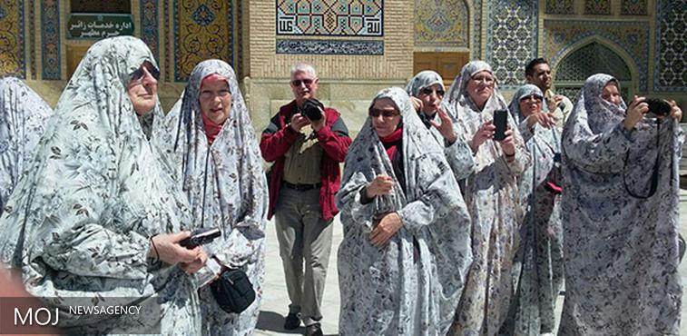 خدمت رسانی به بیش از ۳۰ هزار زائر و گردشگر خارجی در سال ۹۵