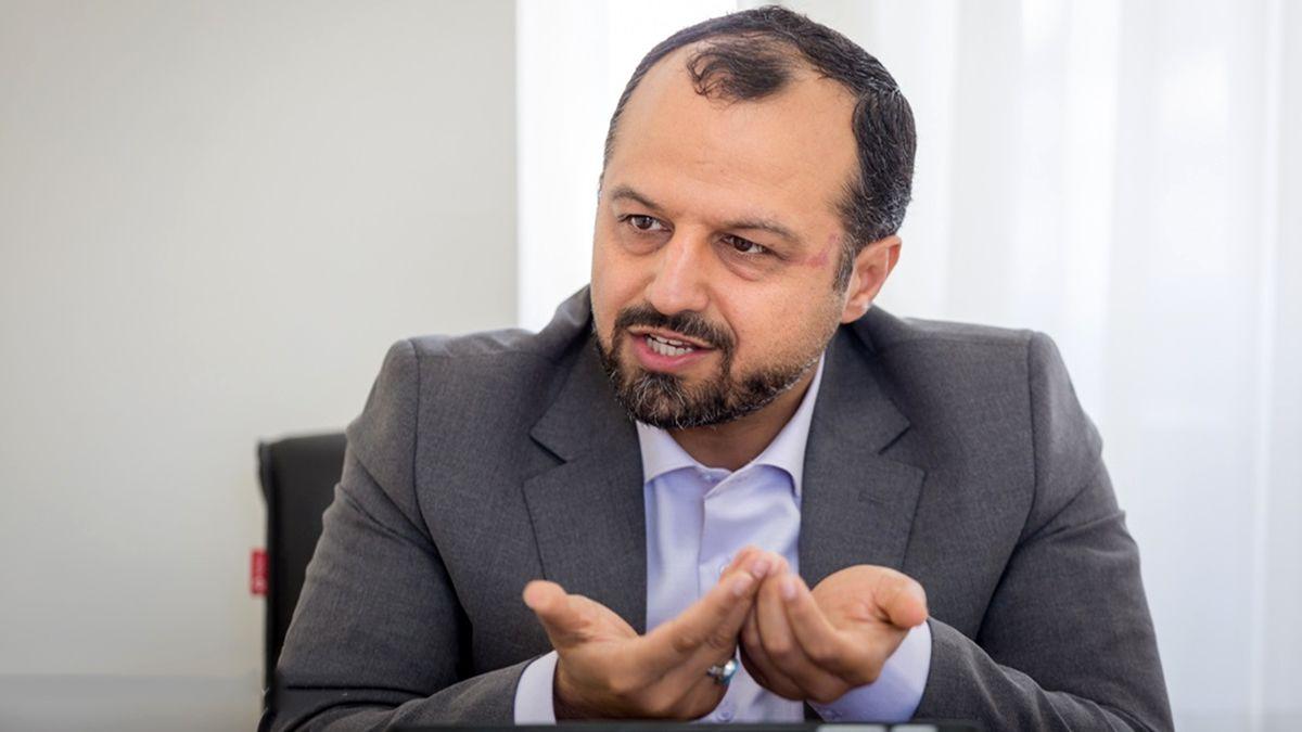 ۱۳ برنامه اصلاحی وزیر اقتصاد/ اطلاعات حسابهای بانکی به سازمان مالیاتی داده می شود