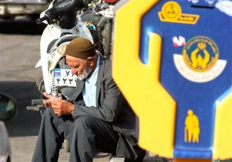 اهدای دو روز حقوق کارکنان کمیته امداد اردکان در پویش کمک به سیلزدگان کشور