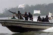 حمله ناکام دزدان دریایی با ۱۱ قایق به یک کشتی تجاری ایران در بابالمندب