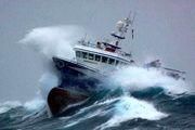 طوفان، سفر دریایی بین قشم-بندرعباس و هرمز را متوقف کرد