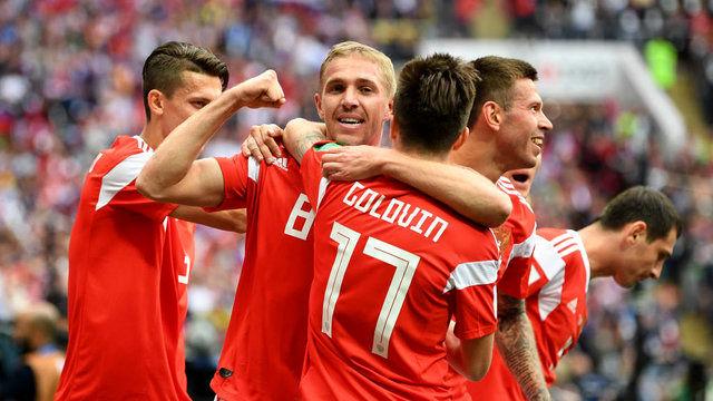 نتیجه بازی روسیه و عربستان در افتتاحیه جام جهانی/ شکست تلخ عربستان مقابل روسیه