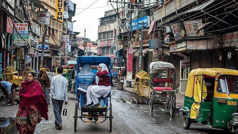 پلیس هند مهاجران غیرقانونی را شناسایی و اخراج می کند