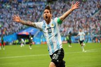 پایان نیمه نخست بازی آرژانتین و نیجریه با گل مسی