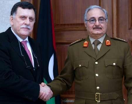 مکرون با دو شخصیت اصلی بحران لیبی دیدار می کند
