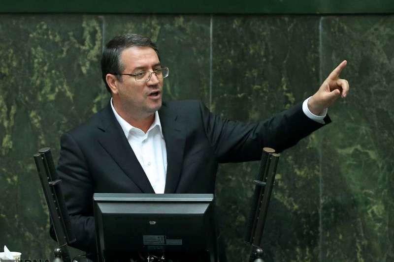 نشست غیرعلنی مجلس برای بررسی قیمت خودرو برگزار شد