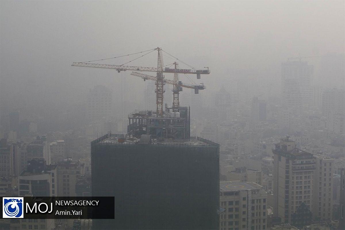آلودگی هوا و آبی که از مسئولان همیشه منتقد گرم نمی شود!
