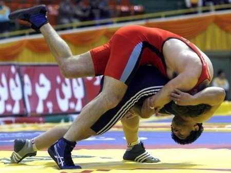 شکست نایب قهرمان المپیک به شیوه سنگین وزن کرمانشاهی