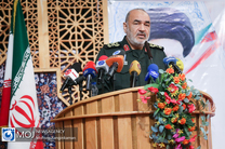 ملت ایران در حال شکستن یک امپراطوری مادی در دنیاست