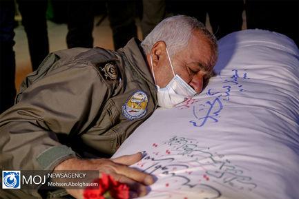 وداع با پیکر خلبان شهید بیرجند بیک محمدی