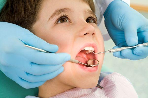 معاینات منظم دندانپزشکی برای حفظ سلامت لثه و دندانها لازم است