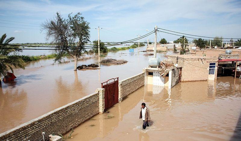 دستور ویژه فرماندار برای امدادرسانی به روستاهای گرفتار در سیل میناب