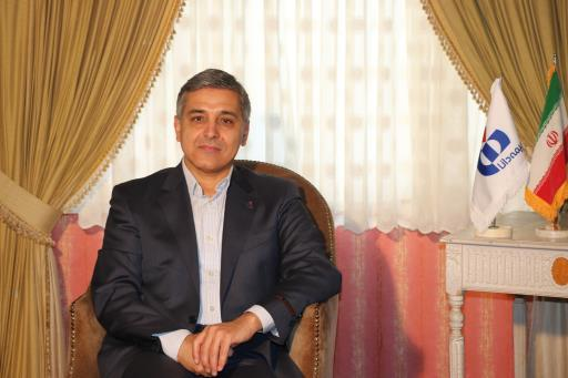 پیام تبریک دکتر صادق به مناسبت فرا رسیدن هفته دولت و روز کارمند