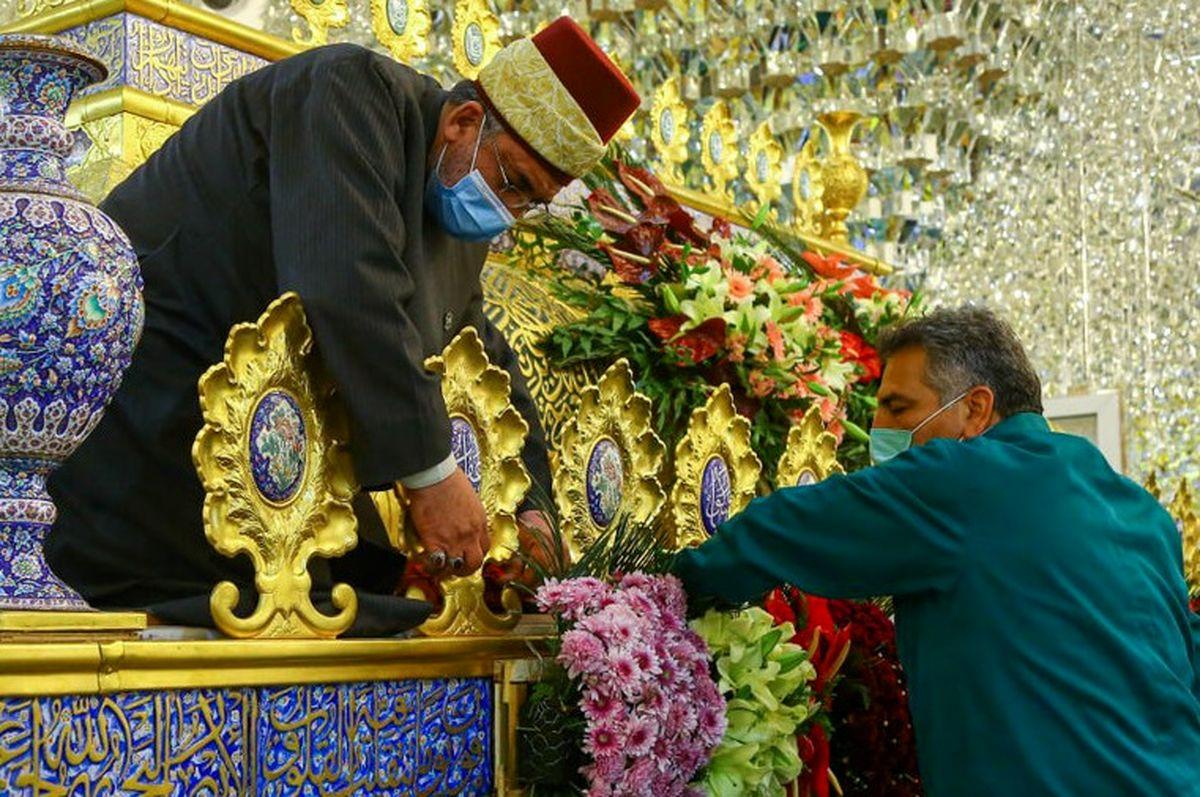 حرم کاظمین به مناسبت اعیاد شعبانیه گلباران شد