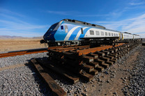 ریلگذاری خط آهن نقده به ارومیه آغاز شد