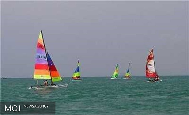 مسابقات قایق های بادبانی نیروهای مسلح در تنگه هرمز برگزار می شود