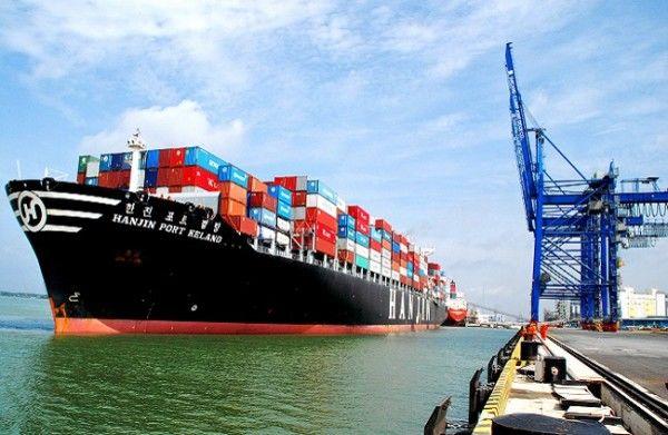 برخی مسئولان هنوز به اهمیت تجارت دریایی پی نبرده اند
