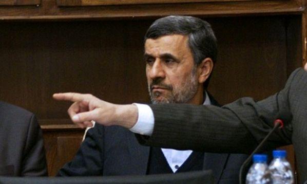 حکم تعلیق احمدی نژاد از مجمع تشخیص مصلحت به وی ابلاغ شد
