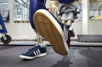تصویر متحرک رباتی که مثل انسان راه میرود