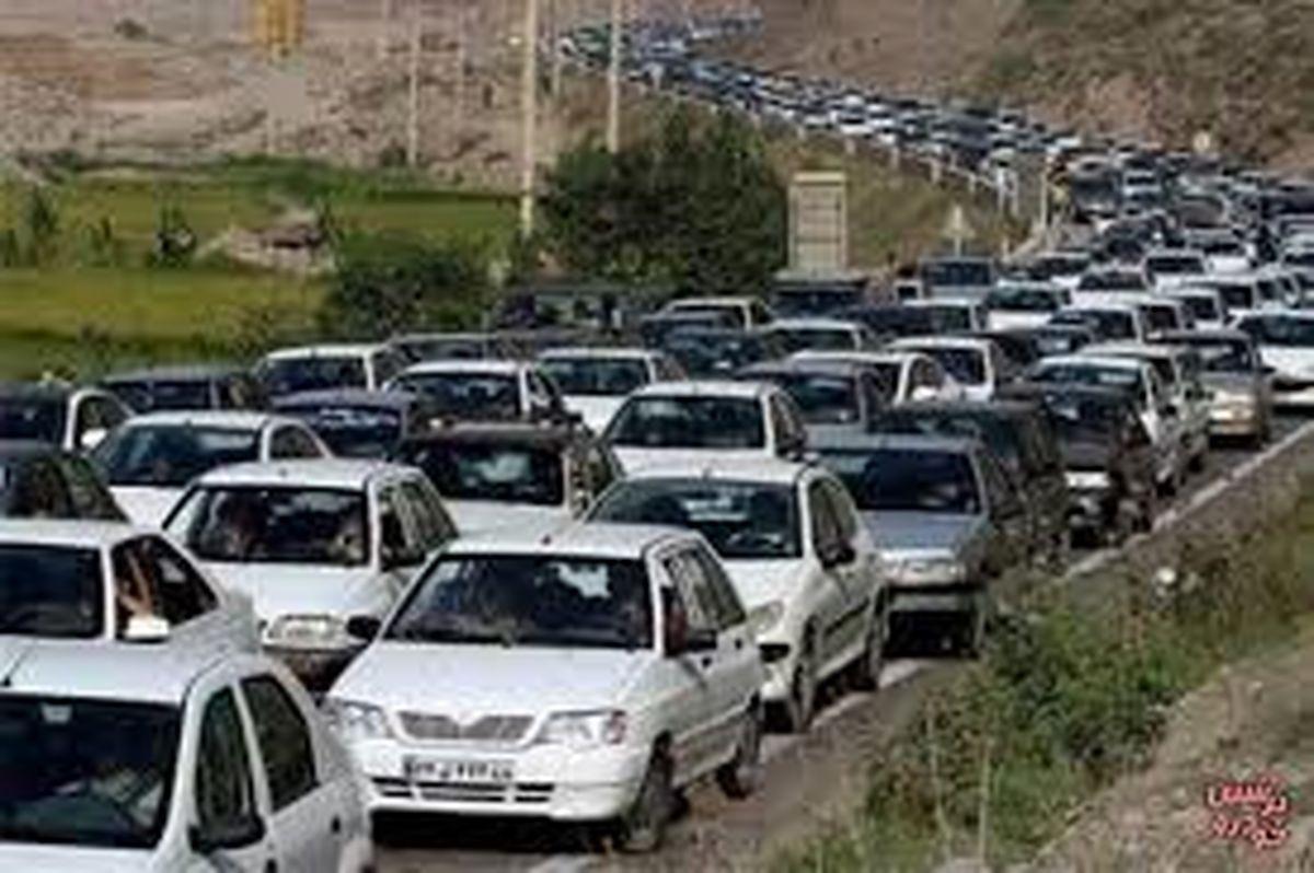 افزایش تردد وسایل نقلیه در محورهای مواصلاتی