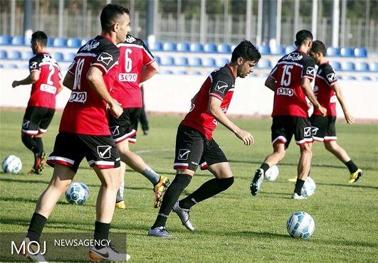 برانکو با حضور مدافع خارجی جوان در تمرین تیمش مخالفت کرد