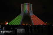 نورافشانی میادین شهر تهران در شب ۲۲ بهمن