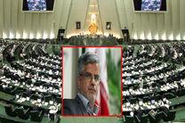 لاریجانی خطاب به محمود صادقی: با دست خود مجلس را تضعیف نکنید