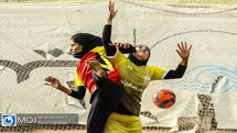 دیدار تیم های فوتبال ساحلی بانوان شهرداری فرح آباد و ایمن گیلان