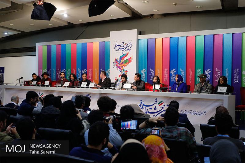 نشست رسانه ای مستند بهارستان خانه ملت بسیار کم رونق برگزار شد
