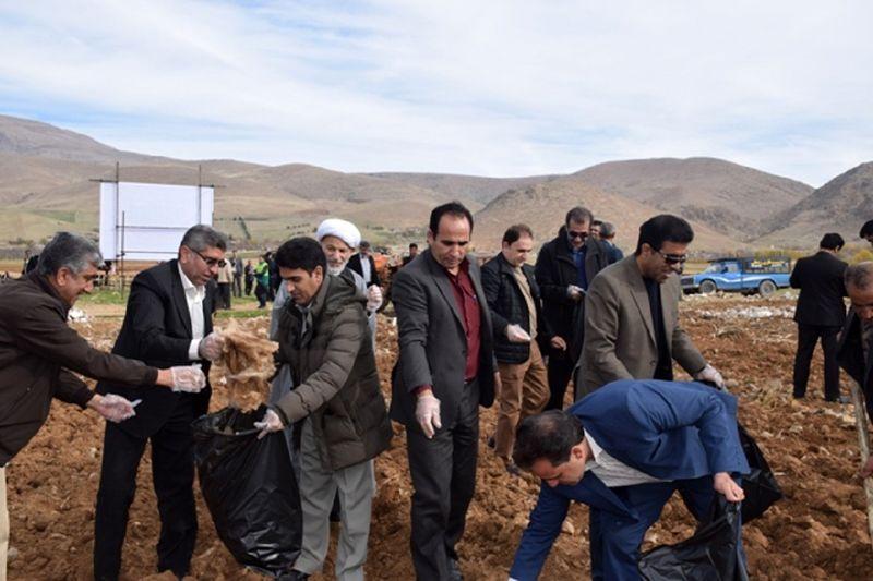 مراسم گرامیداشت روز جهانی خاک در لرستان برگزار شد