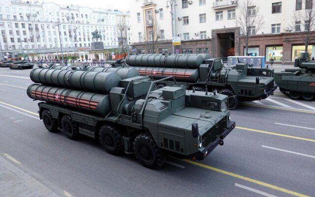 اجزای اولیه سامانه دفاع موشکی اس۴۰۰ روسیه به ترکیه تحویل داده شد