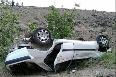 یک کشته و 4 مجروح در  واژگونی مرگبار پژو پارس در شاهینشهر