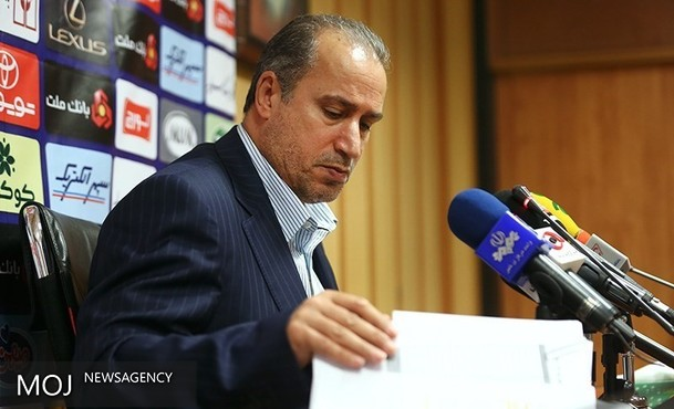 سیاسیون با فوتبال قدرت خود را به رخ میکشند