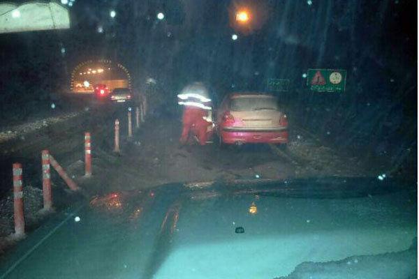 ترافیک بسیار سنگین در هراز/خودروها از محور فیروزکوه تردد کنند