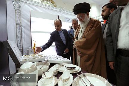 بازدید مقام معظم رهبری از نمایشگاه کالای ایرانی