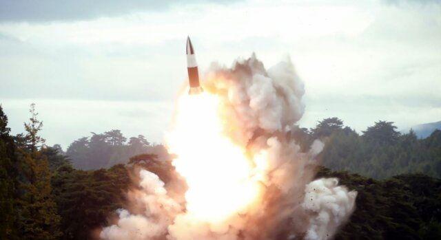 کره شمالی دو پرتابه نامشخص شلیک کرد