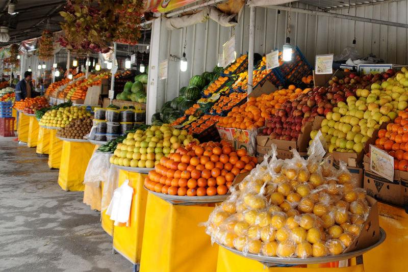 افزایش قیمت موز در مازندران به دلیل نوسانات ارز می باشد