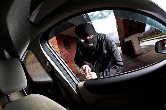 دستگیری سارق لوازم خودرو در شرق تهران/ اعتراف متهم به جرایم خود