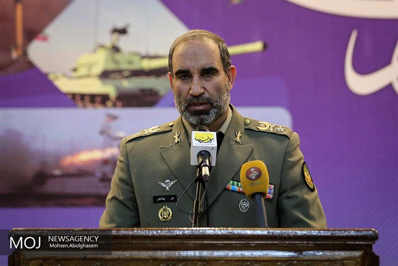 ارتش آمادگی دارد در هر زمان و مکانی از نظام و تمامیت ارضی دفاع کند