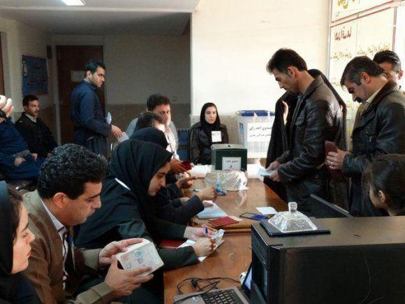 حضور گسترده اقلیت های مذهبی تبریز در شعب اخذ رای