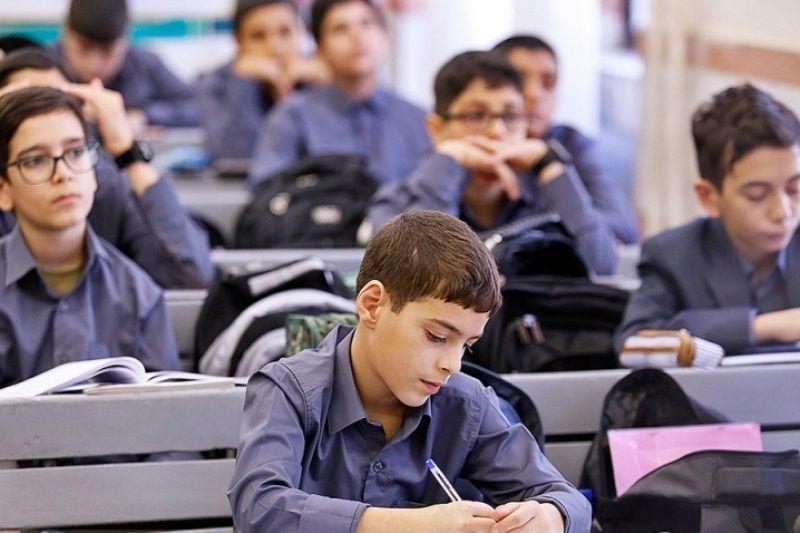 رعایت فاصله اجتماعی بین دانشآموزان در کلاس درس