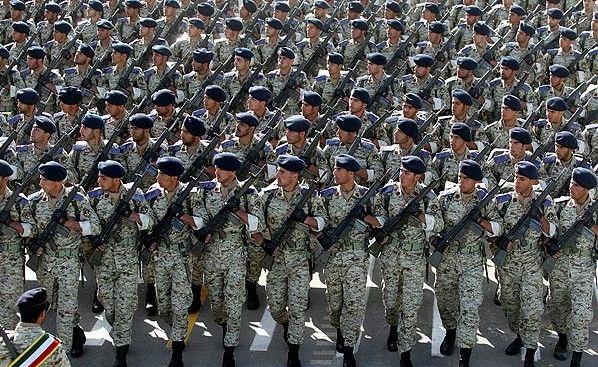 مراسم رژه روز ارتش در بزرگراه امام خمینی (ره) کرمانشاه برگزار میشود