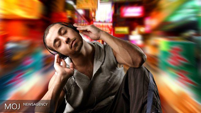با گوش دادن به موسیقی هنگام کار چه اتفاقی برای ذهن ما میافتد