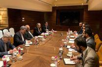 مشاور امنیت ملی افغانستان با ظریف دیدار کرد