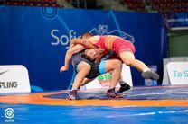 مدال نقره قهرمانی جهان بر گردن نوجوان فرنگی کار مازندرانی