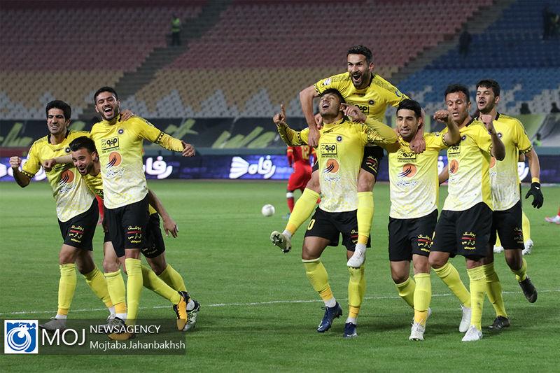 ابتلای 6 بازیکن تیم فوتبال سپاهان به کرونا صحت ندارد